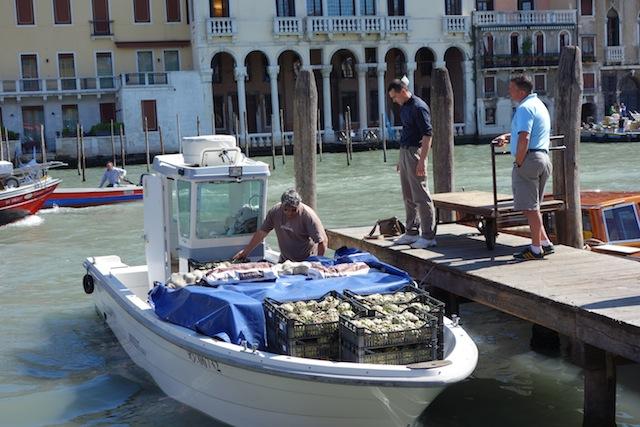 Artichoke Boat in Venice