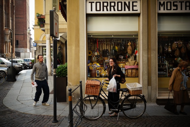 Madame in Cremona with Bike