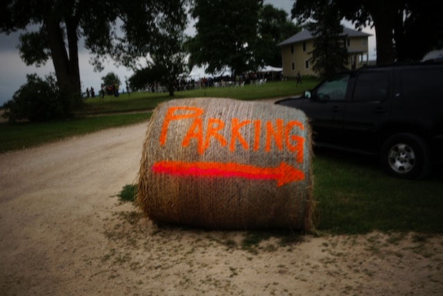 Hay bale parking sign