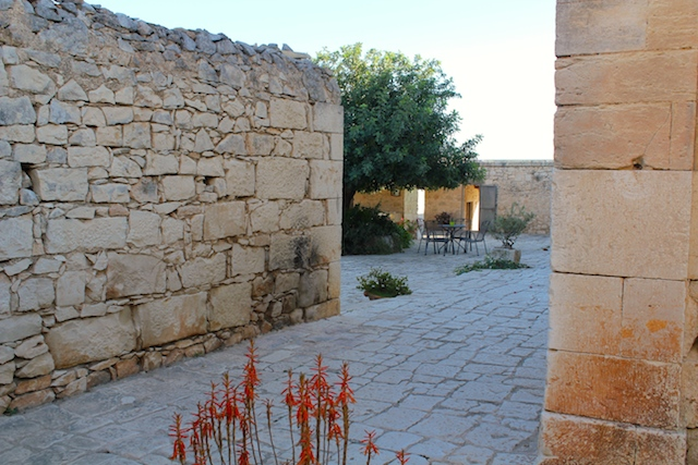 Courtyard at Grotta die Ferro